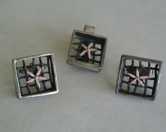 Vintage Oxford Cuff Links & Tie Clip Set Silver Pewter with Pink Stars Excellent Cond.
