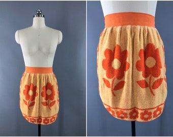 Vintage 1960s Apron / 60s Half Apron / Terry Cloth Towel Apron / Orange Mod Floral Print / Kitchen Cooking Apron