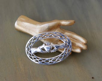 Sterling silver Claddagh pin, Silver Claddagh brooch, Irish pin, Vintage Claddagh pin, Fáinne Chladaigh, Heart and hands pin