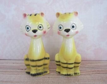 Two Kitschy Tiger Cat Salt & Pepper Shakers Japan Tiger Shakers Cat Salt And Pepper Shakers Kitschy Kitchen Decor Japan