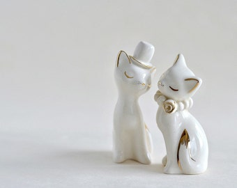 Cat cake topper, wedding, gold or platinum,  ivory- white wedding, ceramic cat cake topper wedding, bride and groom cats - wedding keepsake