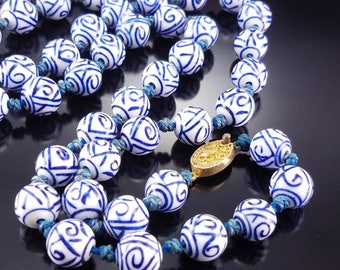 Vintage Chinese Export Porcelain Bead Estate Necklace Hand Painted Blue Sapphire