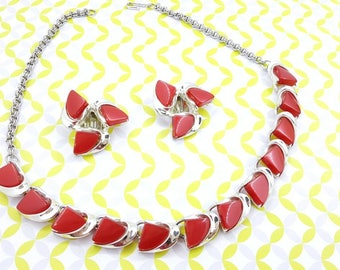 Coro Red Thermoset  Necklace and clip earrings Mint Condition Art Deco  Silver setting Bright  Cheery