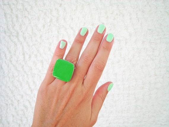 Lime Green statement ring, peridot green resin ring, big chunky square ring, green ring, modern minimalist, color block, stainless steel