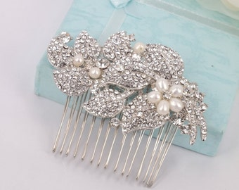 Evelyn - Vintage style Freshwater Pearl and  Rhinestone Bridal Comb