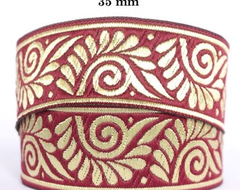 Medieval lace embroidered jacquard width 35 mm