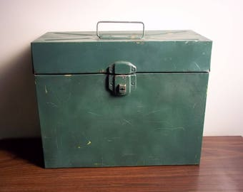 Metal File Box WITHOUT key, Portable Rusty Green Metal Box, Industrial Office Garage Decor Prop, See Condition