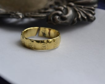 Vintage Gold Tone Band, Tribal Design Ring, Salvage, Repair, Resell