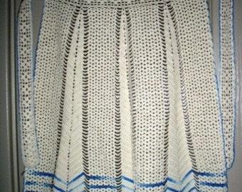vintage linen ... Hand CROCHET vintage swweeeet APRON ...