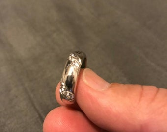 Platinum Ring with Spiral Wrapped Diamonds
