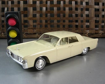 1965 Lincoln Continental Dealer Promo Model Car // American Automotive Advertising Swag