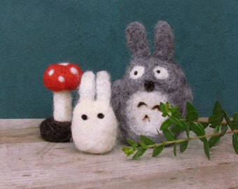 Felt totoro miniature / Eco friendly toy  / needle felt Totoro