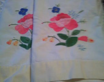 2 vintage cloth Napkins