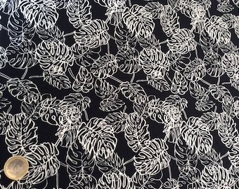 High quality cotton poplin, black jungle leaves