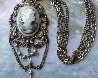 VINTAGE INSPIRED CAMEO