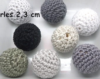 8 pearls (2,3 cm) grey color made of Mercerized cotton crochet