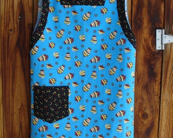 The Mama San Mamasan Kappogi Full Coverage Smock Apron Size Small - Medium in Mary Engelbreit Bowl of Cherries Print