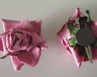 set of 2 crepe paper roses with back a clip and a magnet - dusty rose