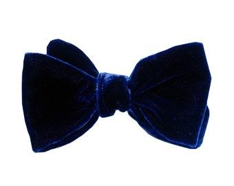 Stockholm bowtie - J&T Bowties With Attitude - blue velvet men bowtie for ceremony, wedding, groom, groomsmen,