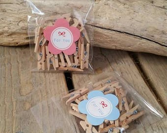 20 mini wooden clothespins
