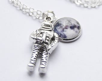 Astronaut Necklace, Astronaut Jewelry, Space Necklace, Moon Necklace Gifts for Women, Modern Moon Necklace, Space Jewelry, Space Jewelry
