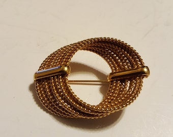 Vintage Gold Tone Unsigned Brooch