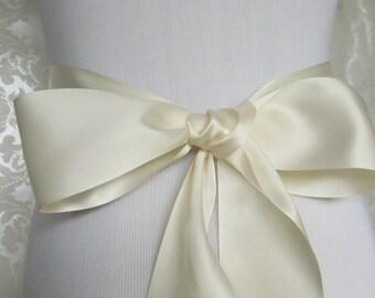 Ivory Satin Ribbon Sash / Ribbon Sash / Satin Bridal Sash /  bridesmaid Sash / Ivory
