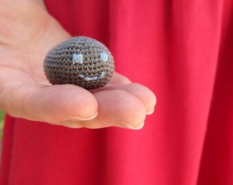 Crochet amigurumi pet rock, desk decoration, quirky gift, gray key chain, cute zippercharm