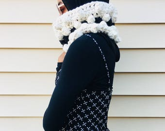 Cream and Black Chunky Cowl. Loop Cowl. Crochet Cowl.