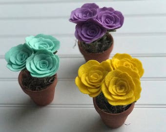 Mini Felt Rose Bouquet, Felt Flower Bouquet, Felt Roses, Felt Flowers, Baby Shower Decorations, Wedding Flowers, Baby Shower Flowers