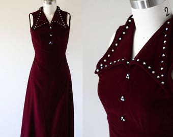 1970s burgundy velvet maxi dress // velvet holiday dress  // vintage dress