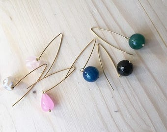 Earrings with thin pin and stones