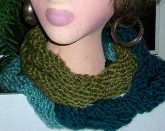 SCARF WOMEN KNITTED  Cowl Women   Accessory  Teens  Girls  Scarf  Neck warmer  Gift Warm Cowl Headwear Hoodie