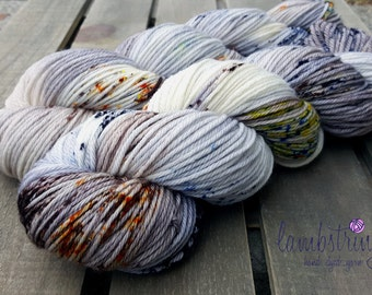 Ewetopia Worsted, Hand dyed yarn, Superwash Merino Wool, 218 yds/ 100g: Kittiwake.