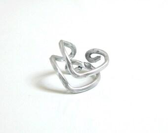 Modern V ring Silver - Aluminum