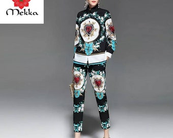Two-Piece Heart Lion Suit Set, Blouse and Pants, Lightweight, Collard Shirt, Ankle Length at Bottom, Black Floral Women's Casual Suit Set