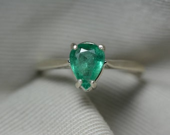 Emerald Ring, Real Emerald Solitaire Ring 1.03 Carats Appraised At 309.00, Sterling Silver Genuine Emerald Jewellery, Size 7, Pear Cut