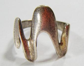 Vintage Unique Design Silver 925 Ring Size 9