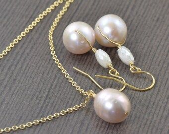 Wedding jewelry set Light pink pearl necklace and earrings set gifts for her bridal Jewelry set