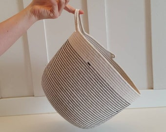 Black and White One Handled Grab-It Basket