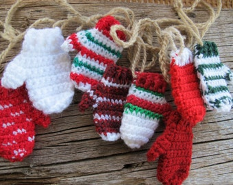 Funky Christmas mitten garland (3.5 ft) / Hand made garland / mitt banner / Christmas Garland