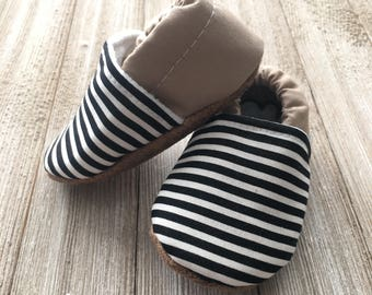 black and tan baby moccasins, black toddler moccasins, baby moccs, baby shoes