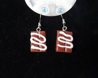 chocolate bar earrings with cream
