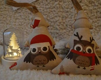 Christmas decoration / FIR has hanging owls pattern