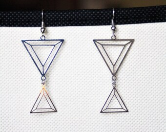 Earrings with silver triangles