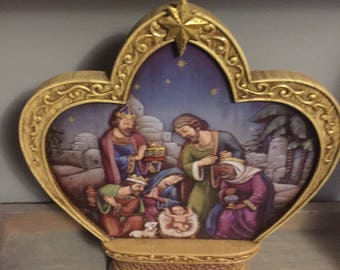 Crown Shaped Nativity