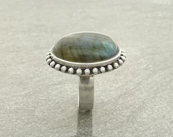 NATURAL Labradorite Ring, Sterling Silver Gemstone Ring, Simple Rope Ring, Big Oval Stone, Antique Ring, Genuine Rainbow Labradorite Ring