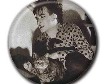 Robert Smith holding a cat 1.75 inch pinback button