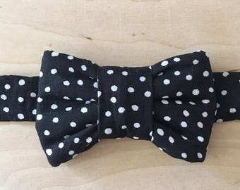 Black and White Polka Dot Print Bow Tie for Cats