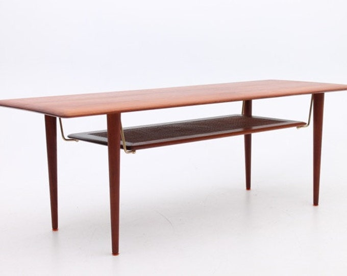 Danish Mid-Century Modern Coffee table in solid teak by Hvidt & Mølgaard, Denmark
